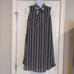 Who What Wear Size small black/white  stripe dress